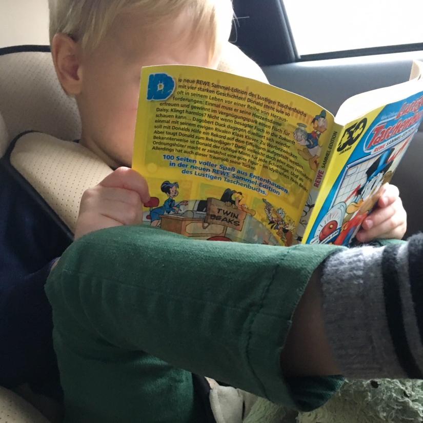 Donald Duck stripboek lezen